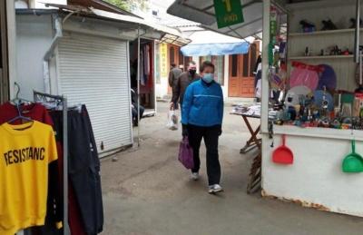 Нарешті запрацювали: ринки і непродовольчі магазини Чернівців відновили свою роботу після двох місяців перерви – фото