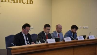 У Мінфіні заявили про звільнення 50% керівників митниць. У тому числі і Буковинської
