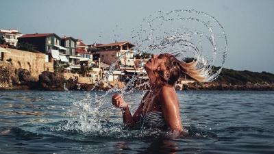 Українцям дозволять купатись у річках та на морі