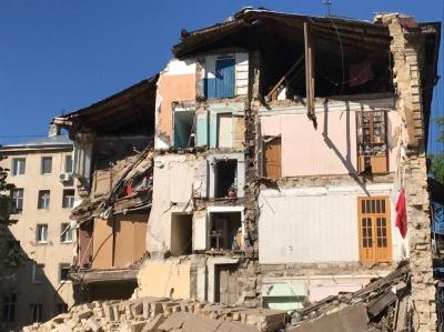 В Одесі обвалилася частина чотириповерхової будівлі