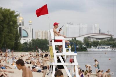 Пляжний сезон в Україні: лікарка розповіла, де найбільша загроза інфікування коронавірусом