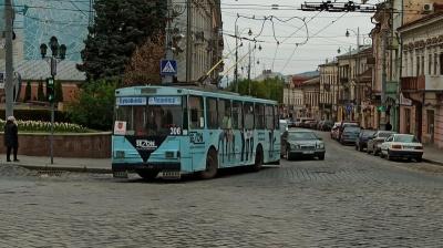 У Чернівцях змінили графік руху спецтролейбусів: деталі