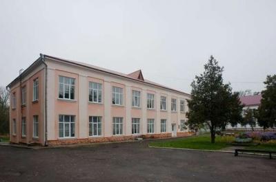 У Чернівцях активісти вимагають створити реабілітаційний центр для дітей, які перехворіли на COVID-19