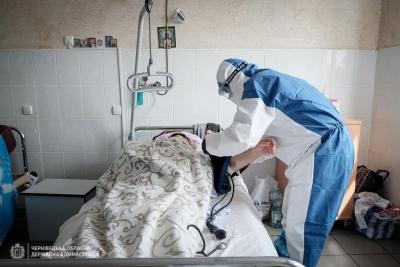 Понад 80 пацієнтів із пневмонією: Осачук розповів про ситуацію у Глибоцькій ЦРЛ