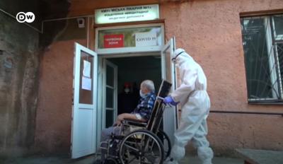 Невидимый фронт: Deutsche Welle показал, как черновицкие врачи противодействуют COVID-19