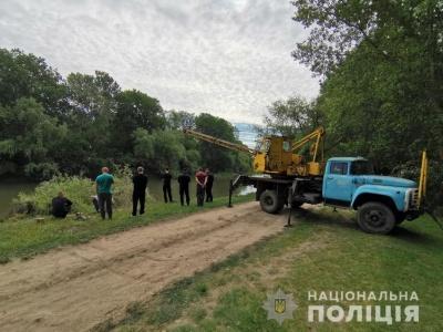 На Одещині авто впало у річку. Загинули 2 осіб