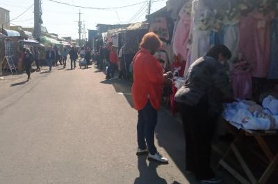 «Звідки гроші брати?»: як відновлює роботу після карантину Калинівський ринок у Чернівцях