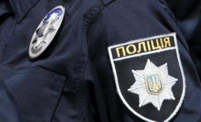 На Буковині судитимуть чоловіка, який погрожував вбити поліцейського та пошкодив службовий автомобіль