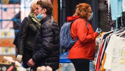 У Польщі скасовують масковий режим