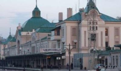 """""""Укрзалізниця"""" хоче здавати в оренду вільні площі на вокзалах"""