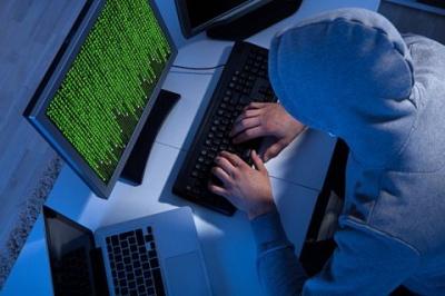"""На Буковині двоє братів """"заробили"""" мільйон гривень на зламуванні паролей"""