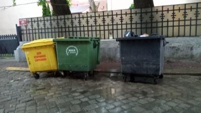 У Чернівцях вивезення сміття подорожчало вдвічі: комунальники пояснили причину