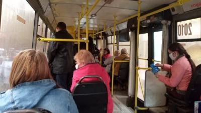 """""""Нема кого возити"""": за час карантину тролейбусне управління Чернівців отримало мільйонні збитки"""