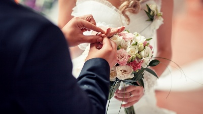 У масках і без гостей: як на Буковині проводять «карантинні» весілля