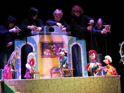 У Чернівцях театр ляльок проводить вистави онлайн: розклад трансляцій