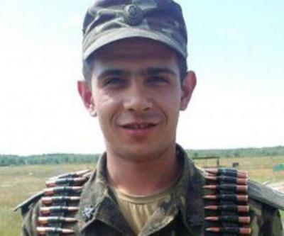 Подзвін за героєм: сьогодні в Чернівцях вшанують пам'ять загиблого бійця