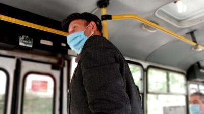 У Чернівцях почали курсувати спецмаршрутки: які рейси відновились і скільки коштує проїзд