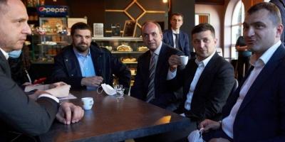 Зеленський, попри карантин, відвідав кав'ярню в Хмельницькому