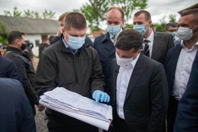 «То Санжари, то Чернівці»: Зеленський анонсував «серйозний опір» контрабанді в Україні
