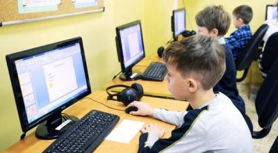 Скільки шкіл на Буковині не мають якісного підключення до Інтернету