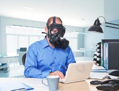 """""""Треба навчитися жити з коронавірусом"""": Комаровський розповів, як правильно виходити на роботу"""