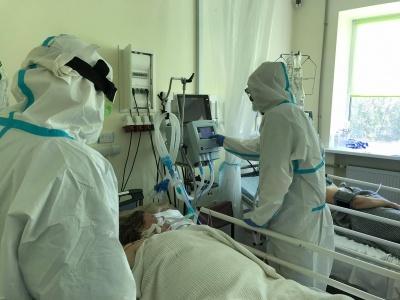 Пів тисячі хворих медиків: у яких лікарнях Буковини найбільше хворіють працівники
