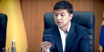 """Зеленський заявив що не читає соцмережі, бо там """"порохоботи"""""""