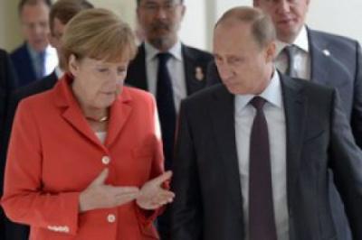 """Меркель і Путін обговорили проведення зустрічі """"нормандської четвірки"""""""