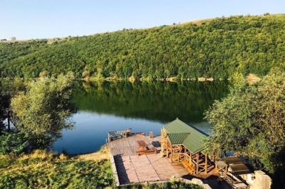 «Люди засумували за відпочинком»: у горах і на річках Буковини готуються до туристичного сезону