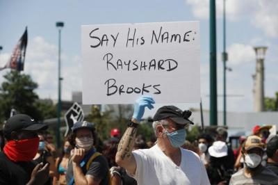 Атланту охопили протести через застреленого поліцейським афроамериканця - відео