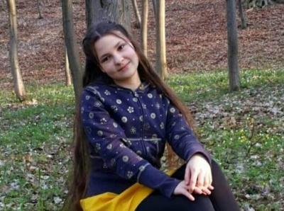 Школярка з Буковини важко травмувалась через падіння з велосипеда: рідні просять про допомогу