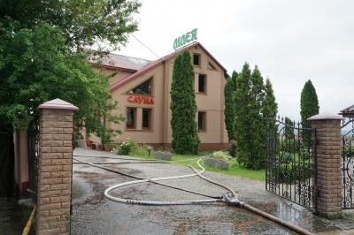 У Чернівцях горів оздоровчий комплекс - фото