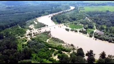 Як виглядає паводок на Буковині з висоти пташиного польоту: вражаюче відео