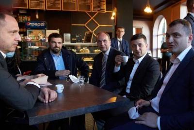 Випив кави з президентом. Суд вважає, що Єрмак порушував карантин не під час роботи