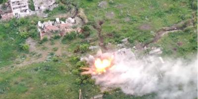 ЗСУ «розкатали» позиції бойовиків на Донбасі. З'явилося відео