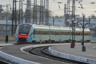 Каспрук просить Осачука відновити рух потягів через Чернівці
