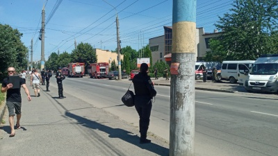 У Чернівцях антитерористичні навчання розігнали стихійників - фото