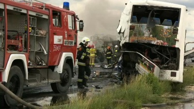 Автобус з українцями потрапив у масштабну ДТП в Польщі: більше 30 постраждалих, четверо у важкому стані