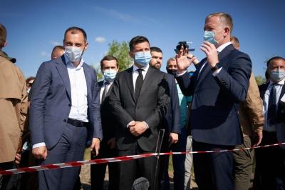 Зеленський пообіцяв добудувати міст у Маршинцях до кінця року