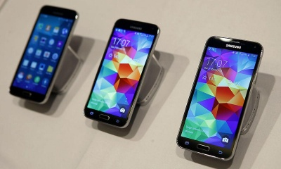 Samsung почне продавати телефони без зарядного пристрою - ЗМІ