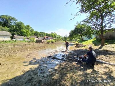 У ДСНС підрахували, скільки кілометрів доріг зруйнувала повінь на Буковині