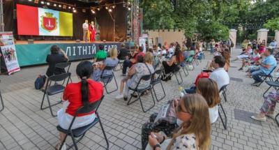Заборонили працювати ресторанам і дискотекам вночі: в Одесі посилили карантин