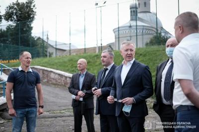 Чернівецька ОДА проситиме в уряду грошей на ремонт стадіону в Кіцмані