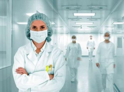З 1 вересня медикам підвищать зарплати: кому і на скільки