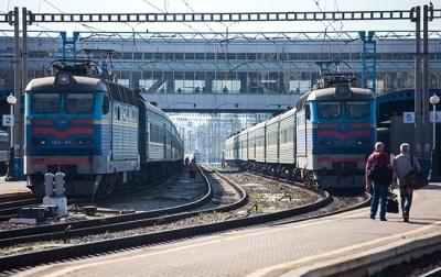 Укрзалізниця відкрила продаж квитків на всі місця в поїздах з Києва та назад