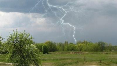 Синоптики попередили про грози в західних областях України
