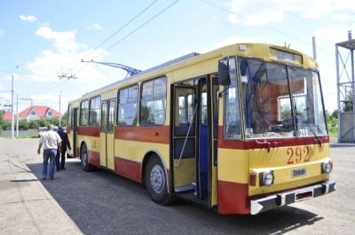Чернівецьке тролейбусне управління не відключать від електроенергії - виділили гроші на борги