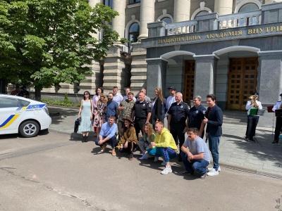 В Україні знімають поліцейську комедію «Бурштинові копи»: перші кадри