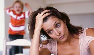 Що робити мамі, якщо дитина почала її дратувати: корисні поради