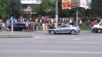 ДТП на проспекті в Чернівцях: є постраждалі – фото